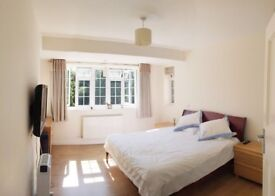 Newly Decorated Double Bedroom £950 per month INCLUDE BILL