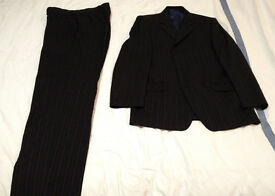 Daniel Hechter Suit, Jacket 40in, Trousers 34in Waist 31.5in Leg