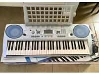 Yamaha Keyboard PSR 275 with adapter