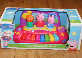 Peppa Pig & Friends Piano with Characters, Childrens Music & Sounds Playset, brand NEW, never used!