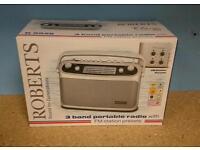 Roberts R9928 radio