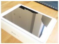 pple iPad Air. 32GB, Silver. Flawless condition with box and case