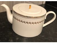 Brand new teapot. Never been used. Gold plated. A+++ condition. Do not miss!
