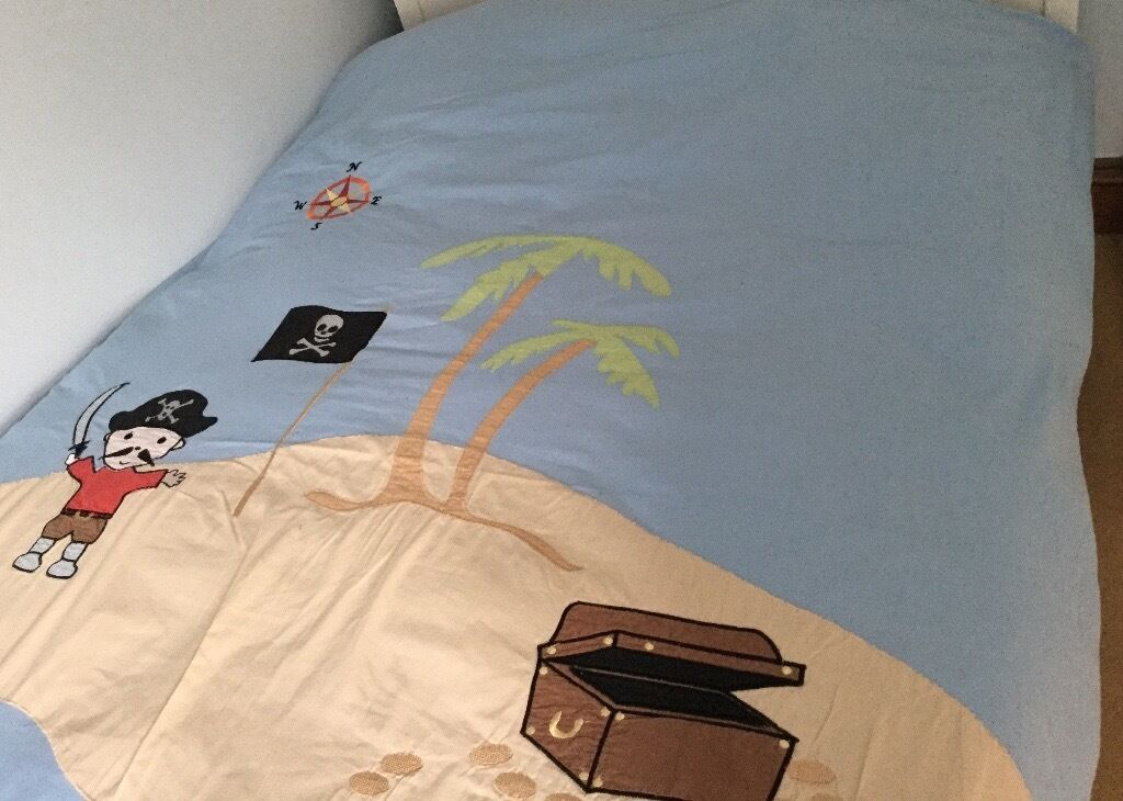 Complete boy's Babyface bedding and room decor. Excellent condition