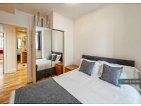 2 bedroom flat in Wallace Court, London, NW1 (2 bed) (#1100695)
