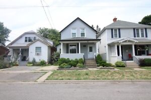 **CHARMING** 3 Bedroom House!!