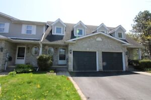 **STUNNING** 3 Bedroom Townhouse!!!