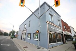 **RENOVATED** 1 Bedroom Apartment in Downtown Dunnville!!