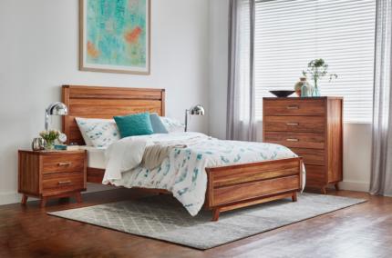 Queen Size 4 pce Bedroom Suite. Brand new