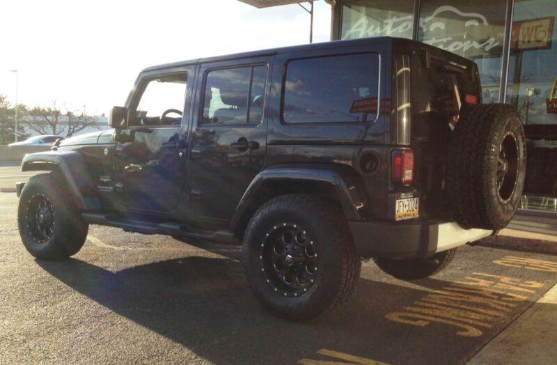 "(5) 17"" Fuel Revolver Black Wheels Jeep Wrangler Jk 34"" Toyo At2 Tires Package"