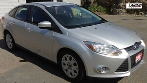 """2012 Ford Focus SE COMPACT AND SPORTY """"""""HEATED SEATS"""""""" Clean Car"""