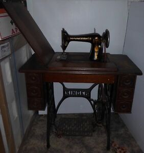 Antique Singer Sewing Machine Newcastle Newcastle Area Preview