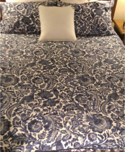 Queen Bed-Mattress And Base,CAN DELIVER Seaforth Manly Area Preview