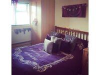 FULL SOLID OAK BEDROOM FURNITURE SET WARDROBES, BED + DRAWERS