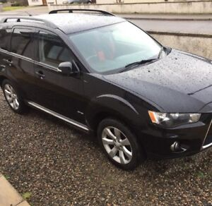 AWD  DEAL 2011 Mitsubishi Outlander 7 seater!