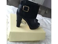 Women's size 6 black boots from next - NEW