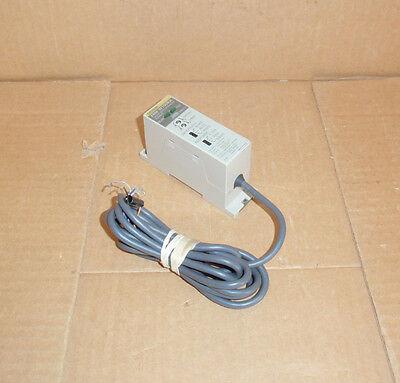 Z4m-w100ra Omron Demo Laser Displacement Sensor Switch Amplifier Z4mw100ra
