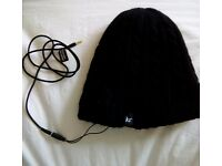 Audio BEANIE - Black Cable Knit