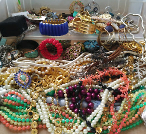 VINTAGE JEWELRY WANTED