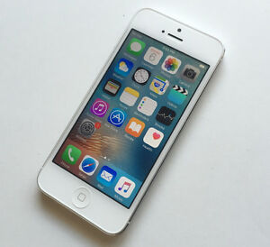 Apple iPhone 5 64GB White Bell and Virgin Excellent Condition