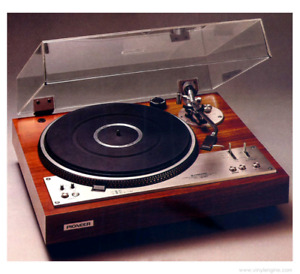 Looking for Vintage Turntables and Stereo Equipment