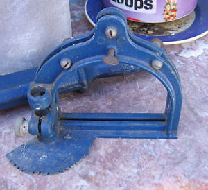 VINTAGE WOODWORKING TOOL