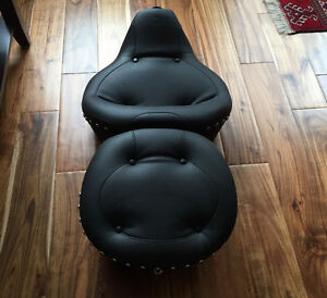 Mustang One-Piece Studded Seat in Original Box