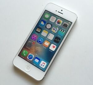 Apple iPhone 5 16GB White Bell/Virgin Excellent Condition $100