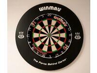Winmau Diamond Dartboard & Winmau Surround