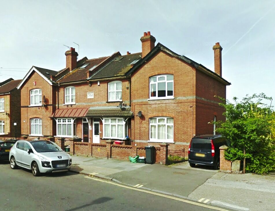Newly refurbished 4 bedroom house to rent in Heston