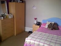 A double bedroom to let on Walton Street, Jericho all bills are included.