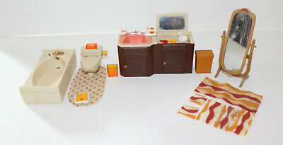 Vintage Tomy Smaller Homes Dollhouse Furniture  Bathroom Doll House - 23 pieces