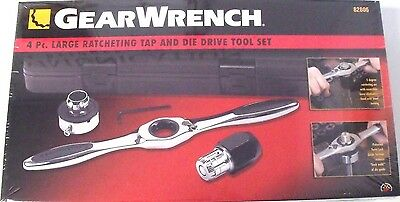 GearWrench 82806 Large Ratcheting Tap & Die Driver Set ()