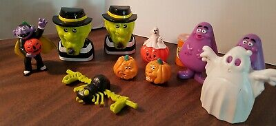 Fun Things For Halloween (1998 McDONALDS HALLOWEEN ITEMS - A VARIETY OF FUN THINGS FOR A FALL)