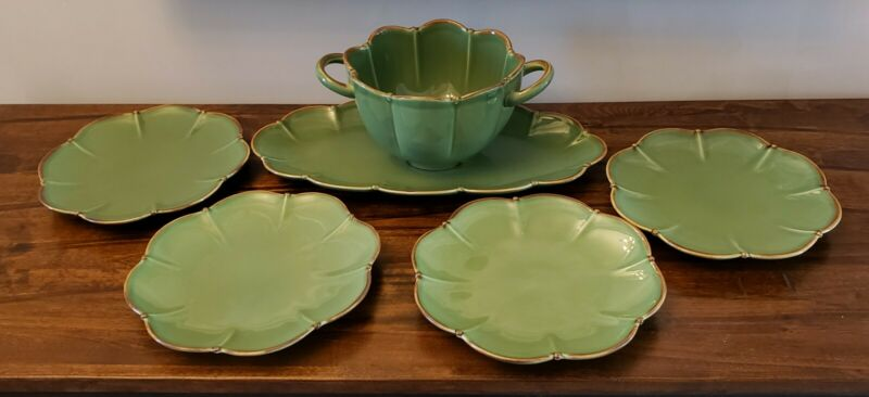 Southern Living at Home Verde Berry Bowl Set including platter and 4 plates