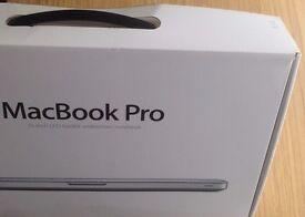"Apple MacBook Pro 15.4"" * 2.2GHz Intel Core i7 * RAM 8GB * HD 750GB * CD/DVD Drive * (LATE 2011)"