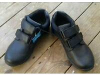 Boys shoes size 4 new