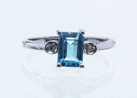 ***£1,084.00*** UNUSED - Certified by GIE 9ct White Gold Blue Topaz