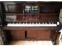 Upright piano / pianola FREE