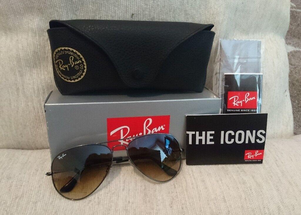 b850ce4762 Ray Ban Aviator Sunglasses with Black Trim  Brand New