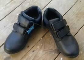 School shoes new size 4 boys