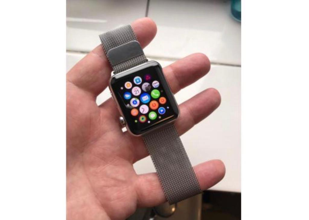 Apple Watch 42mm stainless steel silver with Milanese loop bandin Top Valley, NottinghamshireGumtree - Apple Watch 42mm stainless steel with Milanese loop band. Series 1 comes with box , charger etc. Watch is in good condition screen is scratch free just general wear on frame nothing that can be seen unless you really look. All pictures are of actual...