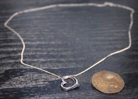 9ct white gold heart pendant and chain