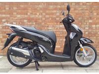 Honda SH300 (16 REG) in black, As new, One owner, Only 2043 miles! *KEYLESS*