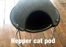 Cat bed: Hepper pod
