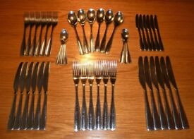 STUDIO WILLIAM Redwood 42 Piece Cutlery Set