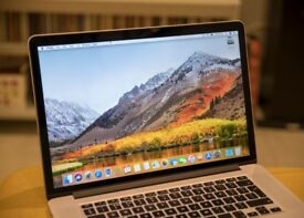 Apple Macbook 15 i7 late 2013 retina screen - excellent condition for sale.
