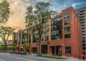 CONDO STYLE LIVING WITHOUT THE PRICE! LARGE SUITE DOWNTOWN!