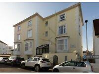 1 bedroom flat in Kenilworth Road, Southsea, PO5 (1 bed) (#935648)