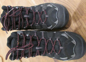 Walking boots Regatta Size 8